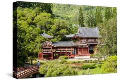 Byodo-In Temple, Valley of the Temples, Kaneohe, Oahu, Hawaii