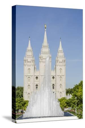 Fountain with Salt Lake Temple, Temple Square, Salt Lake City, Utah