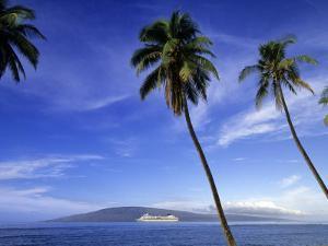 Lanai from Laahaina, Hawaii, USA by Michael DeFreitas