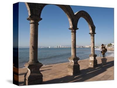The Arches Sculpture on the Malecon, Puerto Vallarta, Jalisco, Mexico, North America
