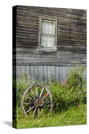 Wagon Wheel in Old Gold Town Barkersville, British Columbia, Canada