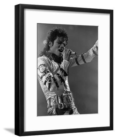 Michael Jackson Performing--Framed Premium Photographic Print