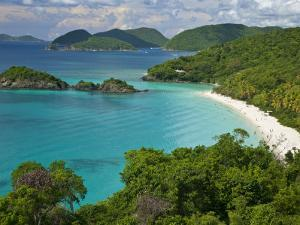Turquoise Water at Trunk Bay, St. John, Usvi by Michael Melford