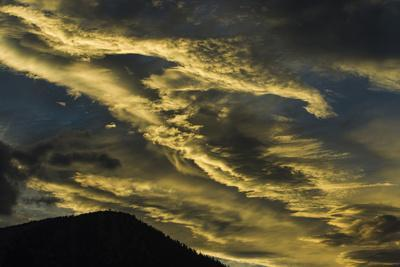Sunset at Mammoth Lakes California and Wispy, Wind Blown Clouds