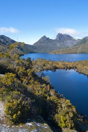 Dove Lake & Cradle Mountain, Cradle Mountain-Lake St Clair Nat'l Pk, UNESCO Site, Tasmania by Michael Runkel
