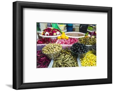 Kurdish Food in the Bazaar of Sulaymaniyah. Kurdistan, Iraq