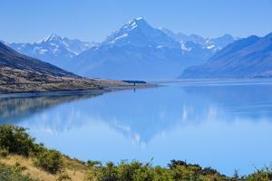 Lake Pukaki by Michael Runkel