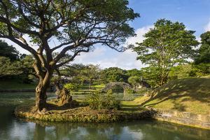 Shikinaen Garden (Shikina-en Garden), UNESCO World Heritage Site, Naha, Okinawa, Japan, Asia by Michael Runkel