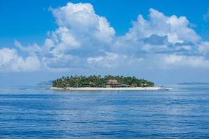 Treasure Island, Mamanuca Islands, Fiji, South Pacific by Michael Runkel