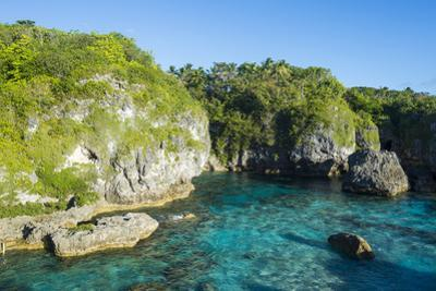 Turquoise waters in the Limu low tide pools, Niue, South Pacific, Pacific