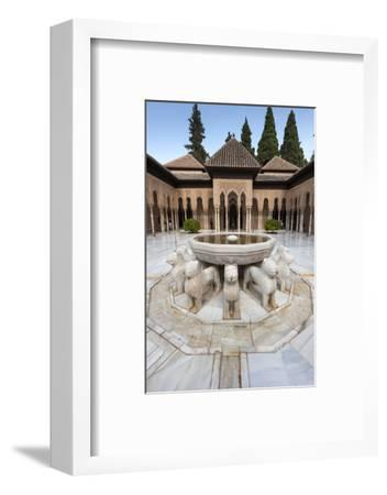 Court of the Lions, Alhambra, Granada, Province of Granada, Andalusia, Spain