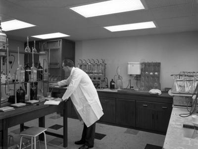 Laboratory Facility at Spillers Animal Foods, Gainsborough, Lincolnshire, 1960 by Michael Walters