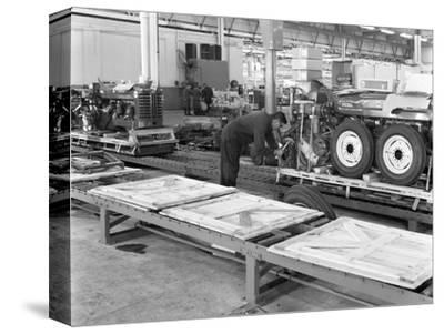 Packing Section, International Harvester Tractor Factory, Doncaster, South Yorkshire 1966