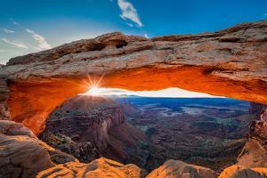 Sunrise At Mesa Arch by Michael Zheng