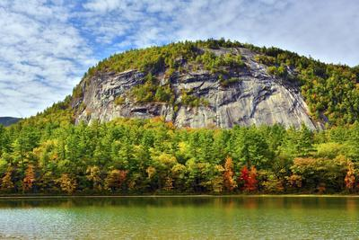 Autumn Echo Lake State Park, New Hampshire, USA
