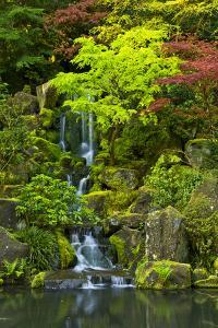 Heavenly Falls, Portland Japanese Garden, Portland, Oregon, USA by Michel Hersen
