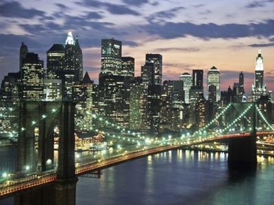 Brookyn bridge and Downtown skyline, NYC