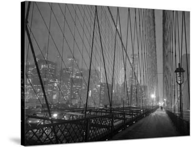 On Brooklyn Bridge by night, NYC