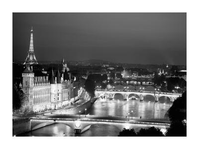 Paris and Seine river at night
