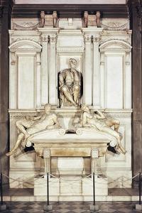 Tomb of Lorenzo De' Medici by Michelangelo Buonarroti
