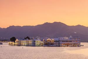 India, Rajasthan, Udaipur, Lake Pichola and Lake Palace by Michele Falzone