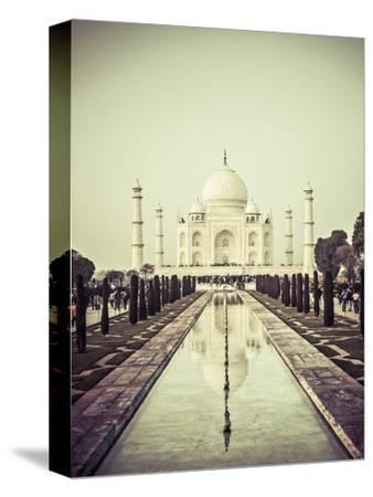 India, Uttar Pradesh, Agra, Taj Mahal (UNESCO Site) by Michele Falzone