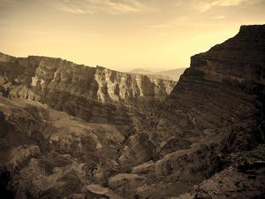 Oman, Hajjar Mountain Range, Jebel Shams Mountain, Wadi Ghul, the 'Grand Canyon of Arabia' by Michele Falzone