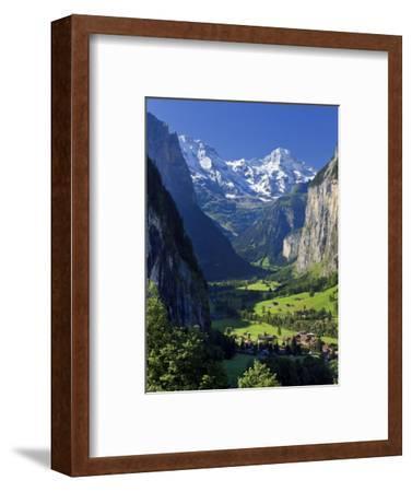 Switzerland, Bernese Oberland, Lauterbrunnen Town and Valley