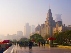 The Bund, Shanghai, China by Michele Falzone