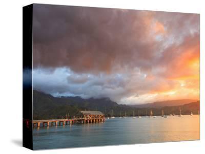 USA, Hawaii, Kauai, Hanalei Bay and Pier