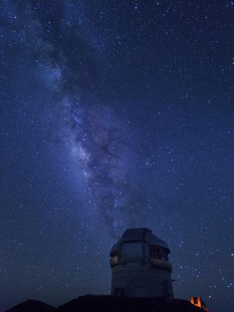 USA, Hawaii, the Big Island, Mauna Kea Observatory (4200m), Gemini Northern Telescope and Milky Way