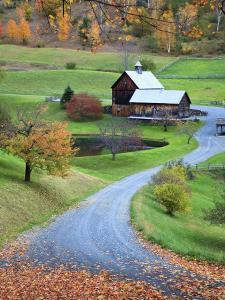 USA, New England, Vermont, Woodstock, Sleepy Hollow Farm in Autumn/Fall by Michele Falzone