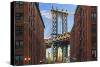 Usa, New York, Brooklyn, Dumbo, Manhattan Bridge and Empire State Building