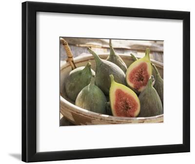 Figs in a Baskest