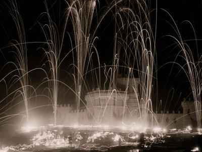 https://imgc.artprintimages.com/img/print/midwinter-carnival-storming-the-fortress-upper-saranac-lake-n-y_u-l-pwawr20.jpg?p=0
