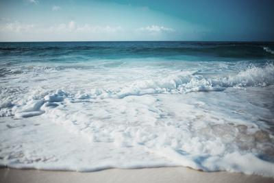 Close Waves