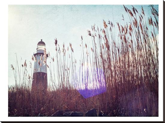 mina-teslaru-lighthouse
