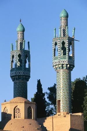 https://imgc.artprintimages.com/img/print/minarets-of-the-mausoleum-of-shah-nematollah-vali-1330-1431_u-l-puyrub0.jpg?p=0