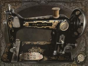 Vintage Sewing Machine by Mindy Sommers
