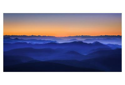 https://imgc.artprintimages.com/img/print/misty-mountains_u-l-f8syor0.jpg?artPerspective=n