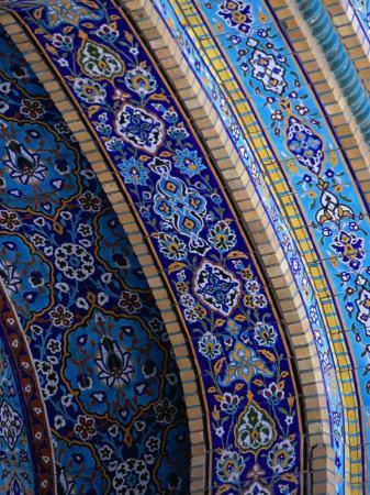 https://imgc.artprintimages.com/img/print/moasic-detail-of-iranian-mosque-dubai-united-arab-emirates_u-l-p11dll0.jpg?artPerspective=n