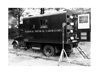 Mobile Acoustics Laboratory, 1940s-National Physical Laboratory-Giclee Print