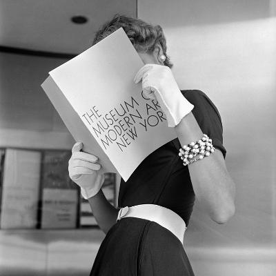 Model Jean Patchett Modeling Cheap White Touches That Set Off Expensive Black Dress-Nina Leen-Photographic Print