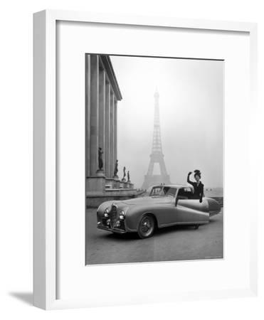 Model Wearing Jacques Fath Ensemble Beside 1947 Model Delahaye Automobile-Tony Linck-Framed Premium Photographic Print