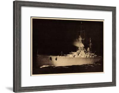 Modell Des Schlachtkreuzers Hindenburg--Framed Giclee Print