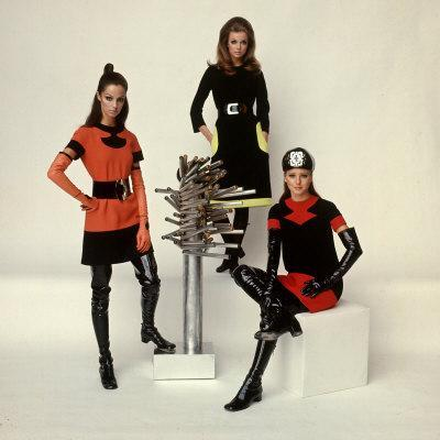 https://imgc.artprintimages.com/img/print/models-wearing-fashions-designed-by-pierre-cardin_u-l-p3m0vq0.jpg?p=0