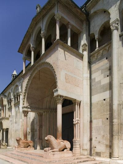Modena, Emilia Romagna, Italy, Europe-Angelo Cavalli-Photographic Print