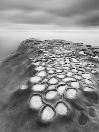 Crateres BW by Moises Levy