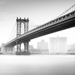 Manhattan Bridge 2 by Moises Levy