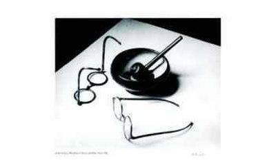 https://imgc.artprintimages.com/img/print/mondrain-s-glasses-and-pipe_u-l-erz1w0.jpg?p=0